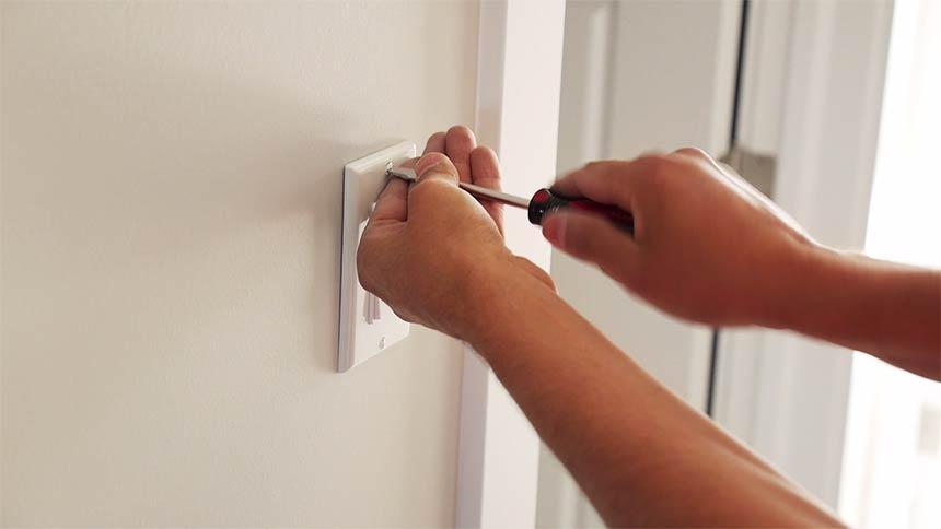 installing a smart light switch