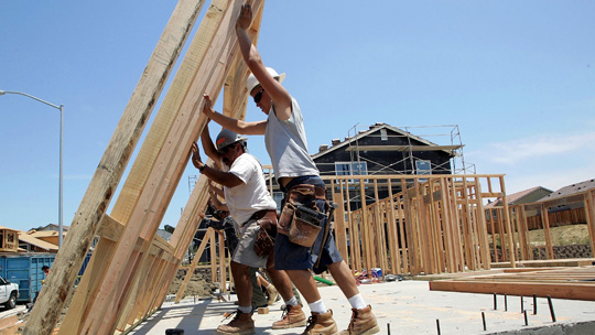 framers-putting-up-wall-during-construction-labor-shortage