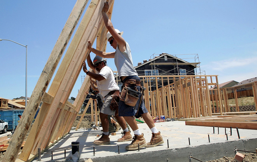 construction-framers-putting-up-wall-during-construction-labor-shortage